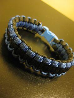Blue & Black Paracord Solomon Bar Knot. 10$