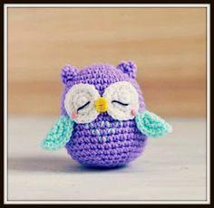 How to Crochet an Amigurumi Owl - Instructions in Italian., schemi italiano How to Crochet an Amigurumi Owl - Instructions in Italian. Free pattern and Tutorials Owl Crochet Patterns, Crochet Owls, Owl Patterns, Cute Crochet, Amigurumi Patterns, Crochet Animals, Crochet Crafts, Crochet Projects, Knit Crochet