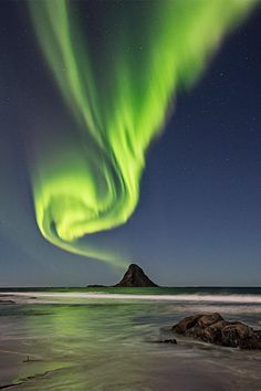 See aurora photos submitted to National Geographic by users like you. Beautiful Norway, Beautiful Sky, Beautiful Landscapes, Beautiful Places, Lofoten, Starry Night Sky, Night Skies, Aurora Borealis, Norway Landscape