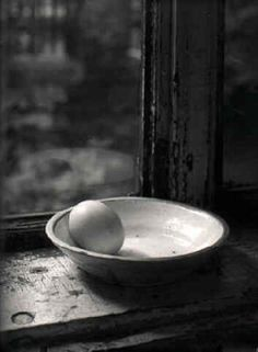 Josef Sudek - Egg & Bowl The egg : Probably the most difficult exercise