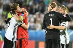 Bild zu Thomas Müller, Gianluigi Buffon, Bastian Schweinsteiger, Manuel Neuer