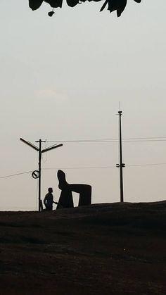 ITAP of a man walking beside a sculpture http://ift.tt/2kzf5Lk