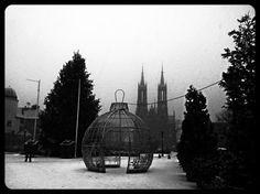 """""""#zyrardow #mazowieckie #dekoracjeswiateczne #bombki #skwer #decorationchristmas #bigbauble #snow #winter #zima #posypalo #redbrick #church #poland #square…"""""""