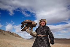Traditional Eagle Hunting in Mongolia – Fubiz Media