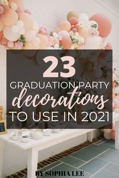 obsessed with these graduation party decorations!! i really want my party to be memorable and i know the decor is key for that. so glad i found this post! Outdoor Graduation Parties, High School Graduation Gifts, Graduation Party Decor, Grad Parties, Graduation Pictures, Diy Party Decorations, Party Ideas, Decor Ideas, Gift Ideas