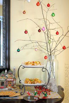 Christmas Buffet + Tips for Entertaining by @Jenna_Burger, www.sasinteriors.net
