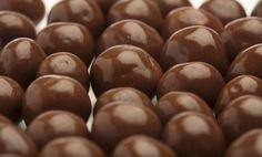 Csokigolyó - PROAKTIVdirekt Életmód magazin és hírek - proaktivdirekt.com Izu, Beans, Fruit, Vegetables, Food, Essen, Vegetable Recipes, Meals, Yemek