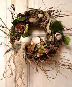 Easter fun with chick crafts Last year at Easter time, everything & Easter Wreaths, Fall Wreaths, Christmas Wreaths, Diy Spring Wreath, Diy Wreath, Easter Flower Arrangements, Floral Arrangements, Fleurs Diy, Easter Traditions