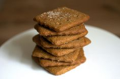 homemade graham crackers from Smitten Kitchen - on the to-bake list to go with my homemade marshmallows Graham Cracker Recipes, Homemade Graham Crackers, Grahm Crackers, Homemade Marshmallows, Homemade Brownies, Macarons, Cookie Recipes, Dessert Recipes, Smitten Kitchen