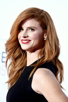 Pictures of Sarah Rafferty, Picture Sarah Gray Rafferty (born December is an American television and film actress. She is known mainly for her role as Donna on the USA Network legal drama Suits. Great Hairstyles, Bob Hairstyles, Donna Paulsen, Sarah Gray, Sarah Rafferty, Gorgeous Redhead, Celebrity Pictures, Celebrity Women, Ginger Hair