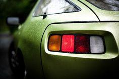 Porsche 928                                                       …