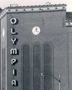 Olympia Stadium - Old photos gallery — Historic Detroit Detroit Ruins, Detroit Art, Detroit History, Detroit Sports, Detroit News, Detroit Red Wings, Local History, State Of Michigan, Detroit Michigan