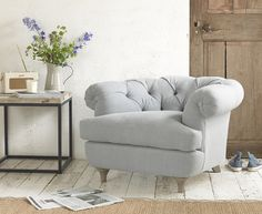 Our Swaggamuffin occasional chair is a smaller version of our popular chesterfield Bagsie sofa. It has a lower back but the squidge factor is still high!