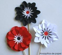 Flores para Moitoconto. día del libro – Anaquiños de Papel Giant Paper Flowers, Fake Flowers, Diy Flowers, Flower Ideas, Paper Ribbon, Origami, Diy And Crafts, Paper Crafts, Paper Flowers
