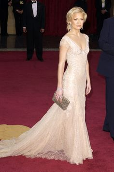 What: Versace Where: Academy Awards in 2003 Why: From ingenue to icon, Kate Hudson stepped out of her family's shadow for good. - HarpersBAZAAR.com