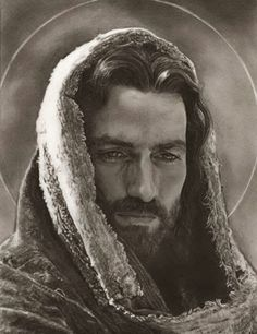 I like pictures of Jesus that show his masculinity. He was a manly man while being a gentle and kind man. God and Jesus Christ La Passion Du Christ, Portrait Au Crayon, Pencil Portrait, Bd Art, Jesus Art, Jesus Christ Drawing, Jesus Drawings, Jesus Pictures, Art Pictures