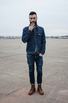 normally me thinks denim on denim is oh so bad, but this chap makes it work. i blame the beard.
