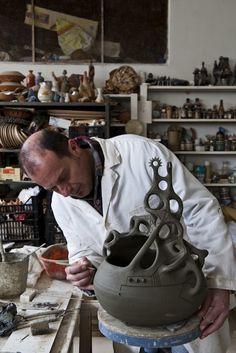 Stefano Scata mode de vie alimentaire et photographe Interiors - main sarde poterie travaillé