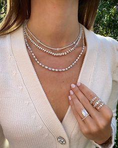 Cute Jewelry, Jewelry Ideas, Stephanie Gottlieb, Emerald Jewelry, Beaded Jewelry, Diamond Tennis Necklace, Jewelry Chest, Look Here, Night Looks