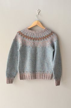 fair isle sweater | Selura wool ski sweater. Vintage, but I love the mix of colours for a project