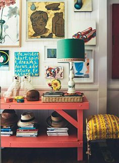 Yes, I often post minimalistic Scandinavian style but I also love colorful bohemian homes. The Brisbane home of interior designer Anna Spiro is an absolute beauty. The 1880s timber home is filled with