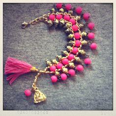 Pulsera fucsia Dyi, Tassel Necklace, Beading, Charms, Jewelry Design, Mood, Jewellery, Colors, Inspiration