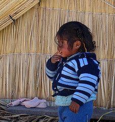 Enfant à l'ile d'Uros (Perou)