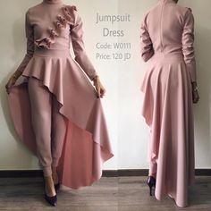 Vintage Design Dresses Classy New Ideas Hijab Evening Dress, Hijab Dress Party, Evening Dresses, Muslim Fashion, Fashion Wear, Fashion Dresses, Tea Length Bridesmaid Dresses, Dress Pesta, Hijab Fashion Inspiration