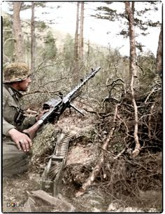 Gebirgsjäger with an MG34 in Saltdal, Nordland. 24th May 1940