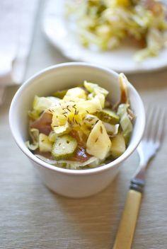 Receta de 'Ensalada de col y manzanas' de Pepekitchen para el blog 'A tu Gusto' de superSol. La mejor gastronomía :)