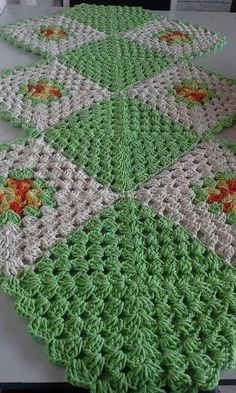 afghan like to find the pattern for crochet project by melinda r - PIPicStats Crochet Afghans, Crochet Doily Patterns, Crochet Squares, Crochet Granny, Filet Crochet, Crochet Motif, Irish Crochet, Crochet Designs, Crochet Doilies