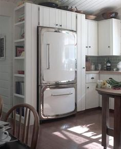 Heartland Appliances...now I know who to call when I hit the lottery and can refit my old country kitchen!