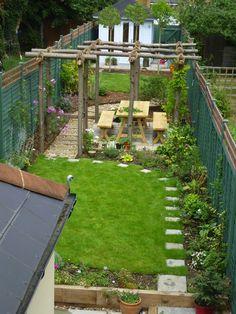 25+ Trending Narrow Garden Ideas On Pinterest | Small Gardens ... - Tela Decor