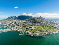 Kruger safari og Cape Town  Denne safarireise til Sør-Afrika er ideell for deg, som både drømmer om fantastiske safariopplevelser og storbyferie i det pulserende Cape Town. Cape Town, Nelson Mandela, Quad, Safari, Villa, Mountains, Nature, Travel, Heavens