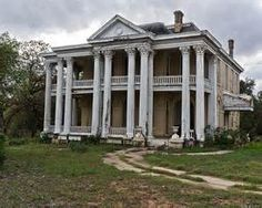 abandoned mansions - Bing Images What happens in family's life's to leave these beautiful homes behind??? Tragic!!