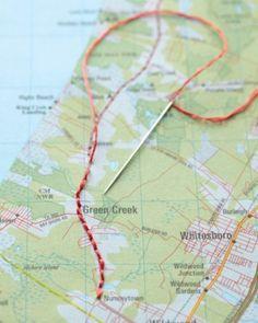 borduur de route die je op vakantie hebt gevolgd en doe dit bij elke reis met een andere kleur