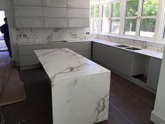 "Képtalálat a következőre: ""dekton Design Your Kitchen, Cute Kitchen, Kitchen Redo, Rustic Kitchen, Kitchen Remodel, Kitchen Worktop, Kitchen Cupboards, Kitchen Countertops, Somerset"