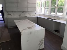 Stoneworkz - 12mm Aura Dekton fitted last week also. Ultra modern.