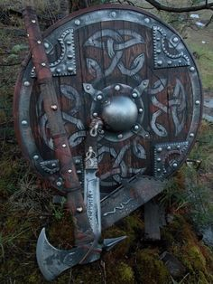 Картинки по запросу щит и топор викинга
