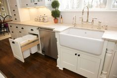 Trash drawer / traditional kitchen by East Hill Cabinetry
