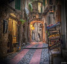 Dolceacqua (Borgo medievale - Medieval village) | Giuseppe | Flickr
