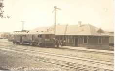 Company towns were among those served with such unusual trains as the McKeen, which could be operated with only a motorman. It was designed for frequent stops, too, something that steam engines could not economically do. Life Is Like, What Is Life About, Company Town, Steam Engine, Pacific Northwest, North West, Trains, Taj Mahal, Louvre