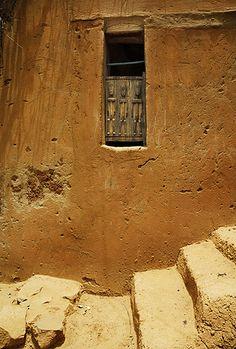 window, stairs, Mali, photo by Xavier Ceccaldi