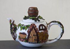 Vinehouse Teapot by Thingsforshelves on Etsy