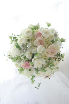 ラウンドブーケ ほんのり桜色を挿し色に 東京會舘様へ Whimsical Wedding Flowers, Beautiful Bouquet Of Flowers, Spring Wedding Flowers, Bride Flowers, Romantic Flowers, Bride Bouquets, Floral Bouquets, Funeral Flower Arrangements, Ikebana Flower Arrangement