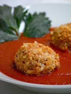 Learn to make Hungarian meatball in tomato sauce, Paradicsomos húsgombóc, here is the recipe. Other Hungarian recipes are also available.