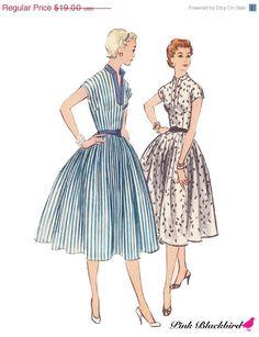 ON SALE 50s Circle Skirt Dress Pattern/ Vintage by pinkblackbird, $13.30