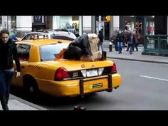 MASHA'ALLAH !! Muslim Guy Praying in Public - New York  [HQ]
