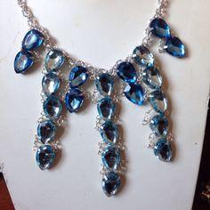 #collana in #cristalli di diversi azzurri. Fatta a mano.  Info@oro18.eu #oro18 #bigiotteria #bijoux Presto su www.oro18.eu FB: oro18 fantasie creative
