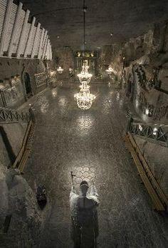 Krakow, Poland: Wieliczka Salt Mine Absolutely breathtaking.. Pictures don't do justice.. An entire underground world!